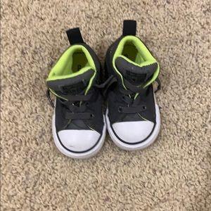 Converse high tops dark gray size 5 toddler